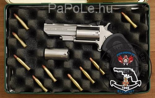 Gyártó: North American Arms, Kaliber: 22 W.M.R. /.22 LR, Fegyver típusa: Black Widow REV 5